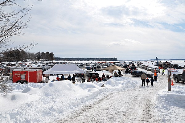 Derby events maine 39 s sebago lake cumberland county ice for Maine ice fishing derbies